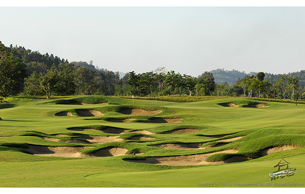 challenging bunkers, chiangmai highlands golf resort, chiang mai, thailand