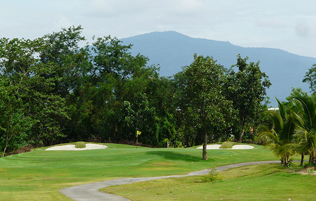 distant green, north hill chiang mai golf club, chaing mai, thailand