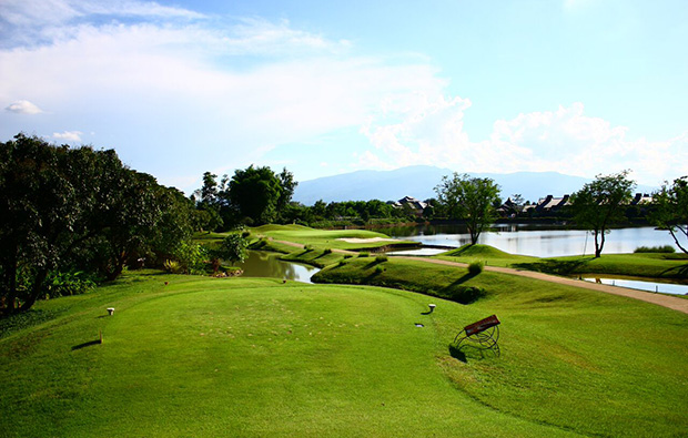 tee box, mae jo golf club, chiang mai, thailand
